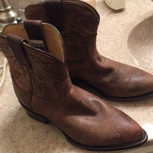 "Frye ""Billy"" short ladies cowboy boots"
